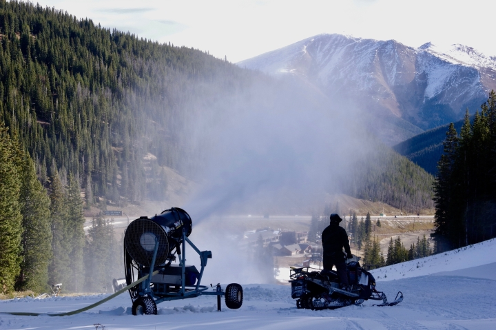 snowmaking at loveland basin colorado
