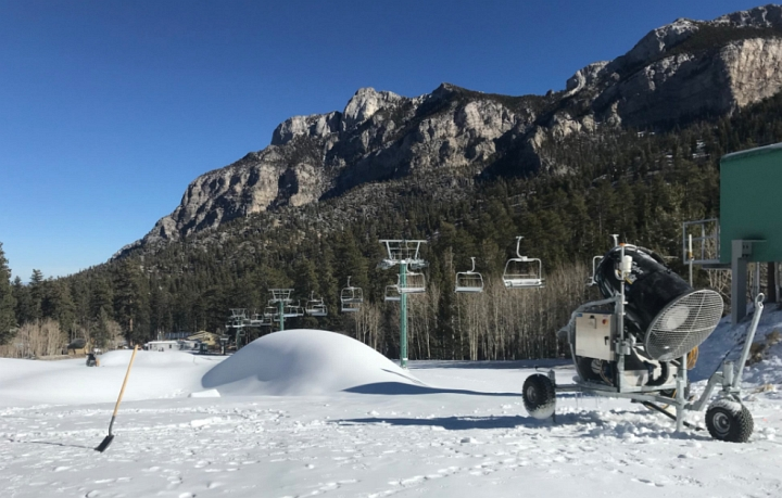 lee canyon snowmaking near las vegas