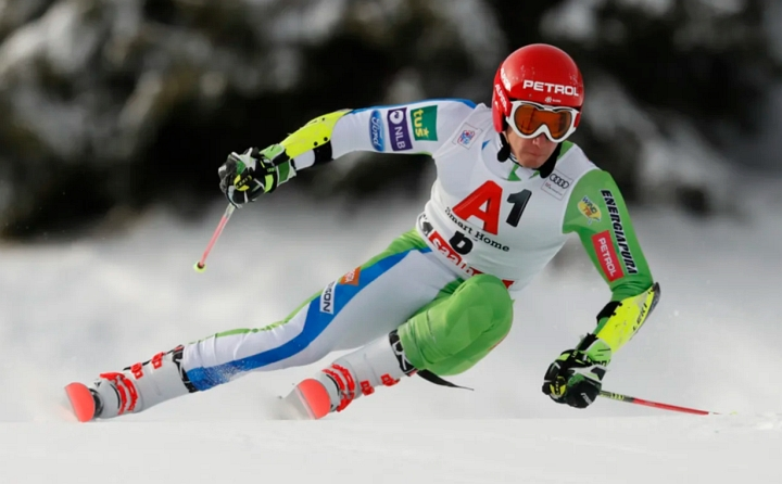 Season rolling, Gisin hurt in Val Gardena